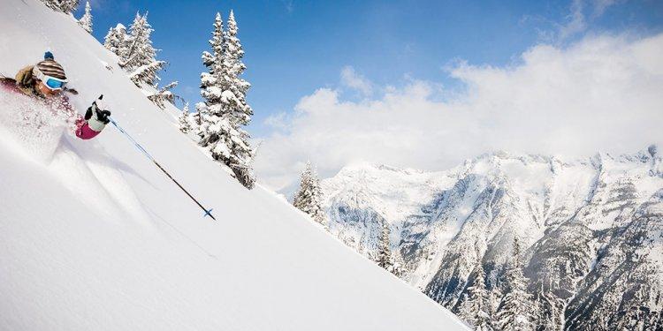 Heli-Skiing & Cat-Skiing
